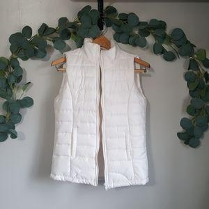 Rue21 white puffer zip up vest